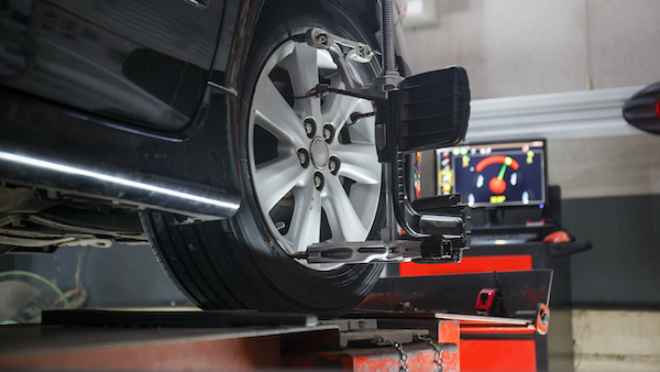 5 Signs It's Time for a Wheel Alignment